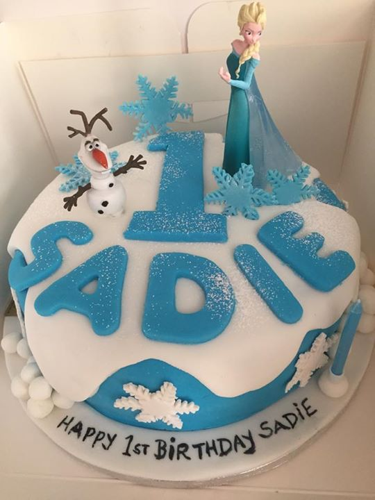 A Small Version Of My Frozen Cake Sadie S Big Sister Olivia Had The